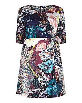 Yumi Curves Mixed Floral Jersey Dress