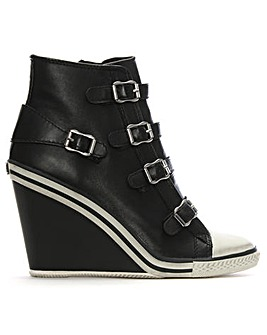 Ash Thelma Wedge Trainer