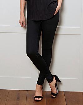 Amber Pull-On Skinny Jeggings Short
