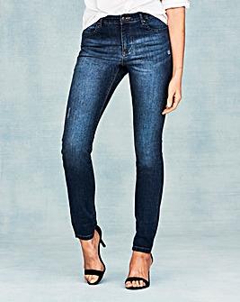 Sadie Relaxed Slim Leg Jeans Short