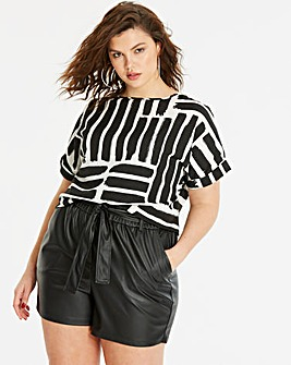 Boxy Top With Curved Hem