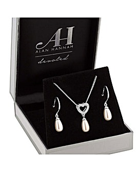 Alan Hannah Pearl Heart Jewellery Set