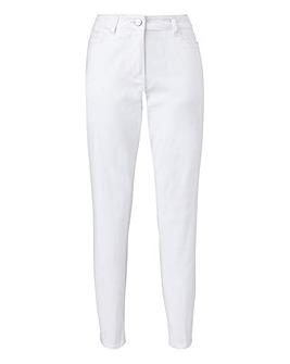 Petite Everyday Slim Leg Jeans