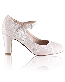 Perfect Martha Lace Bar Shoe
