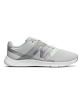 New Balance 611 Trainers